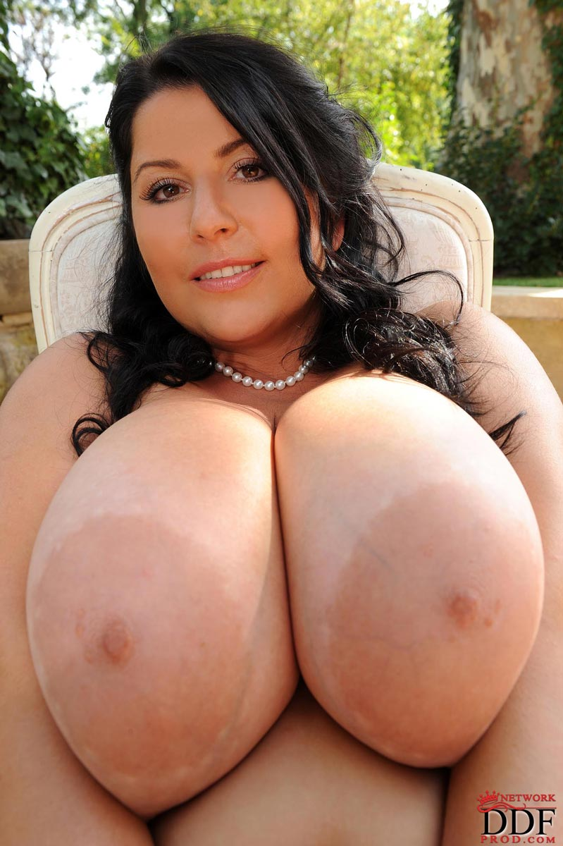 Huge tits free movies natural