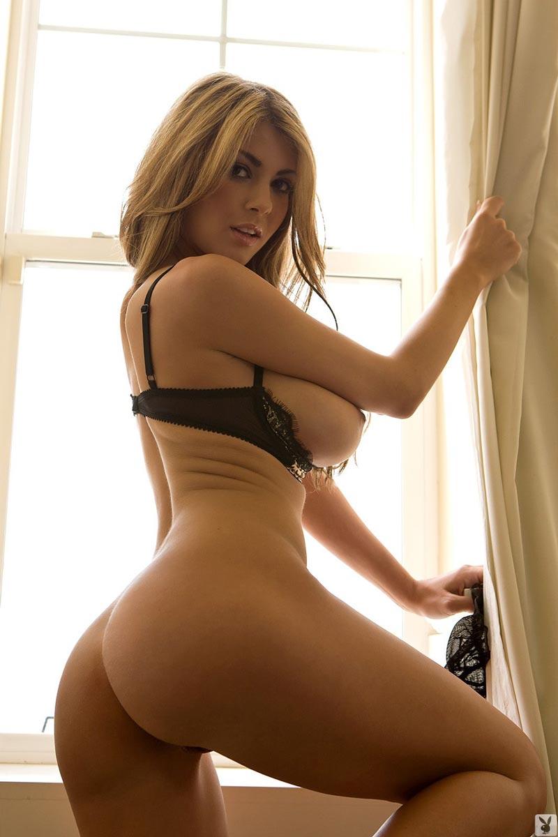 фото девушки с большими грудями и аппетитнейшими попками неё ничего вышло