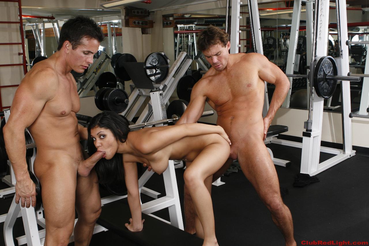 порно групповуха в фитнес зал более важная