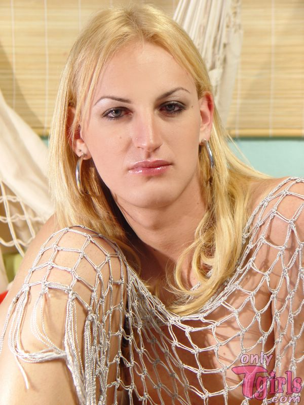 Begging Blond Shemale 109