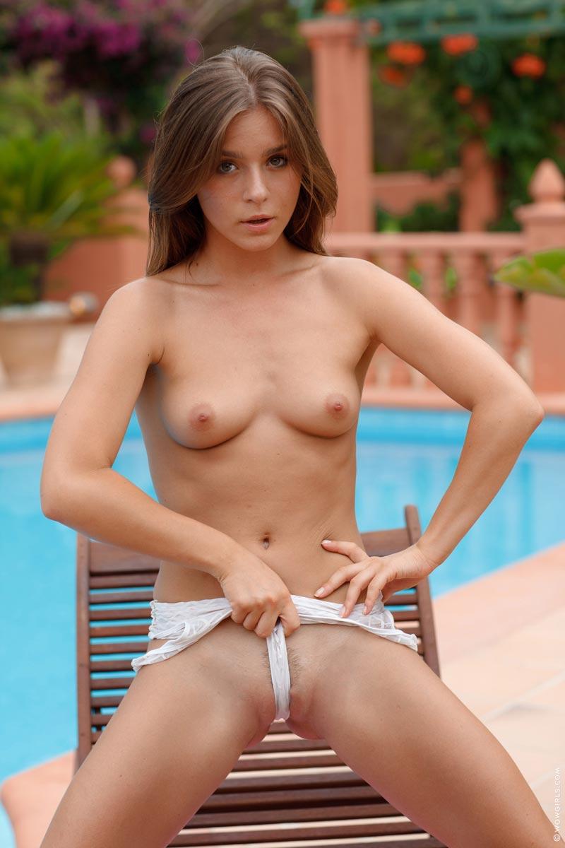 Guerlain wow girls lesbian hot pictures